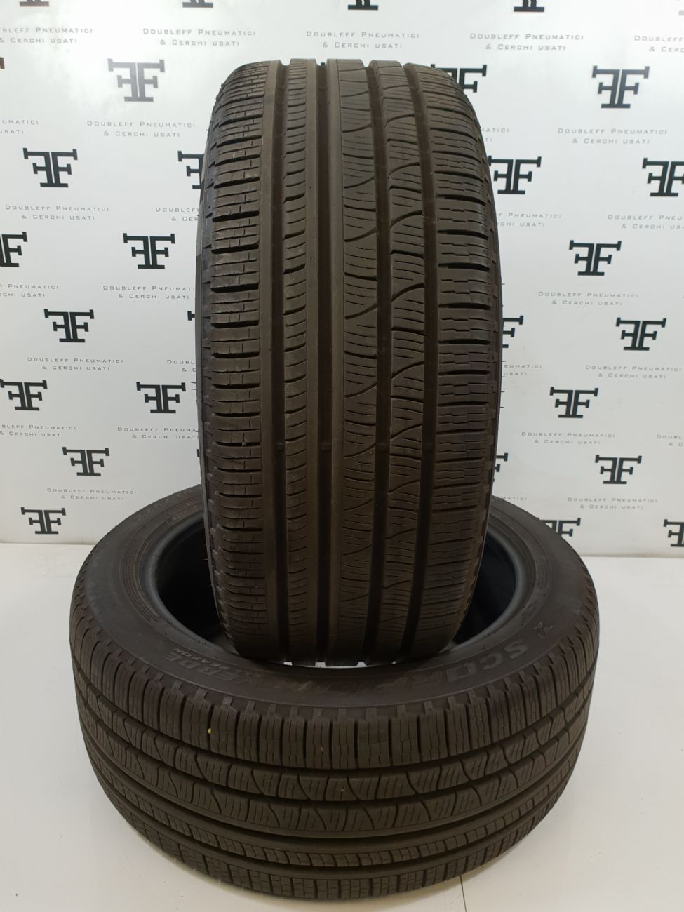 Pneumatici 275 40 R22 108 Y PIRELLI SCORPION VERDE ALL SEASON 4 seasons usati 200€