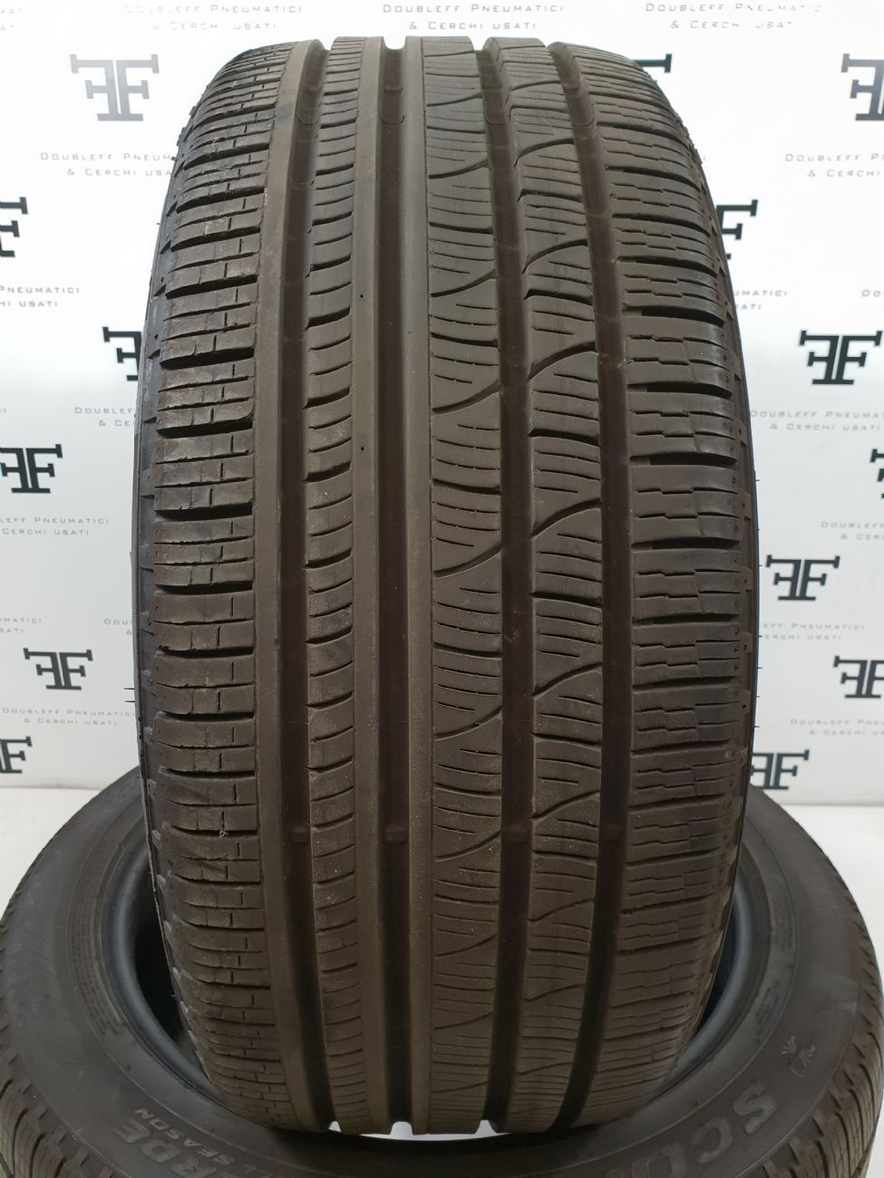 Pneumatici 275 40 R22 108 Y PIRELLI SCORPION VERDE ALL SEASON 4 seasons usati 220€