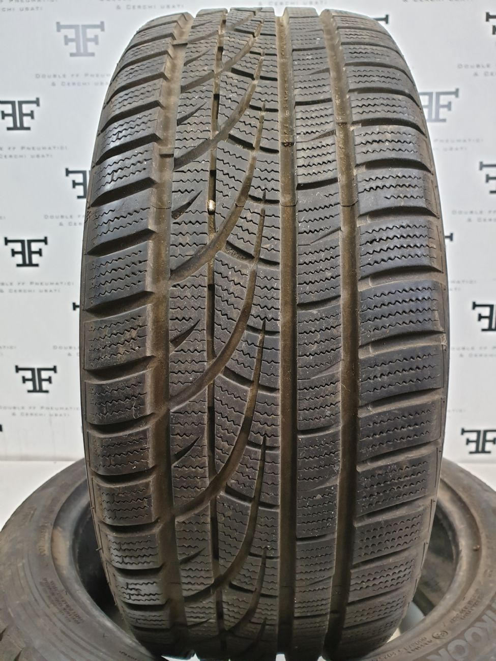 Pneumatici 245 40 R18 97 V HANKOOK WINTER  INCEPT EVO invernale usati 120€