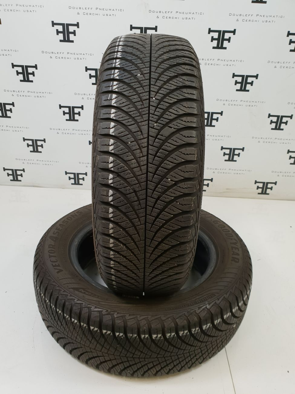 175/65 R14 82 T GOODYEAR VECTOR 4SEASONS