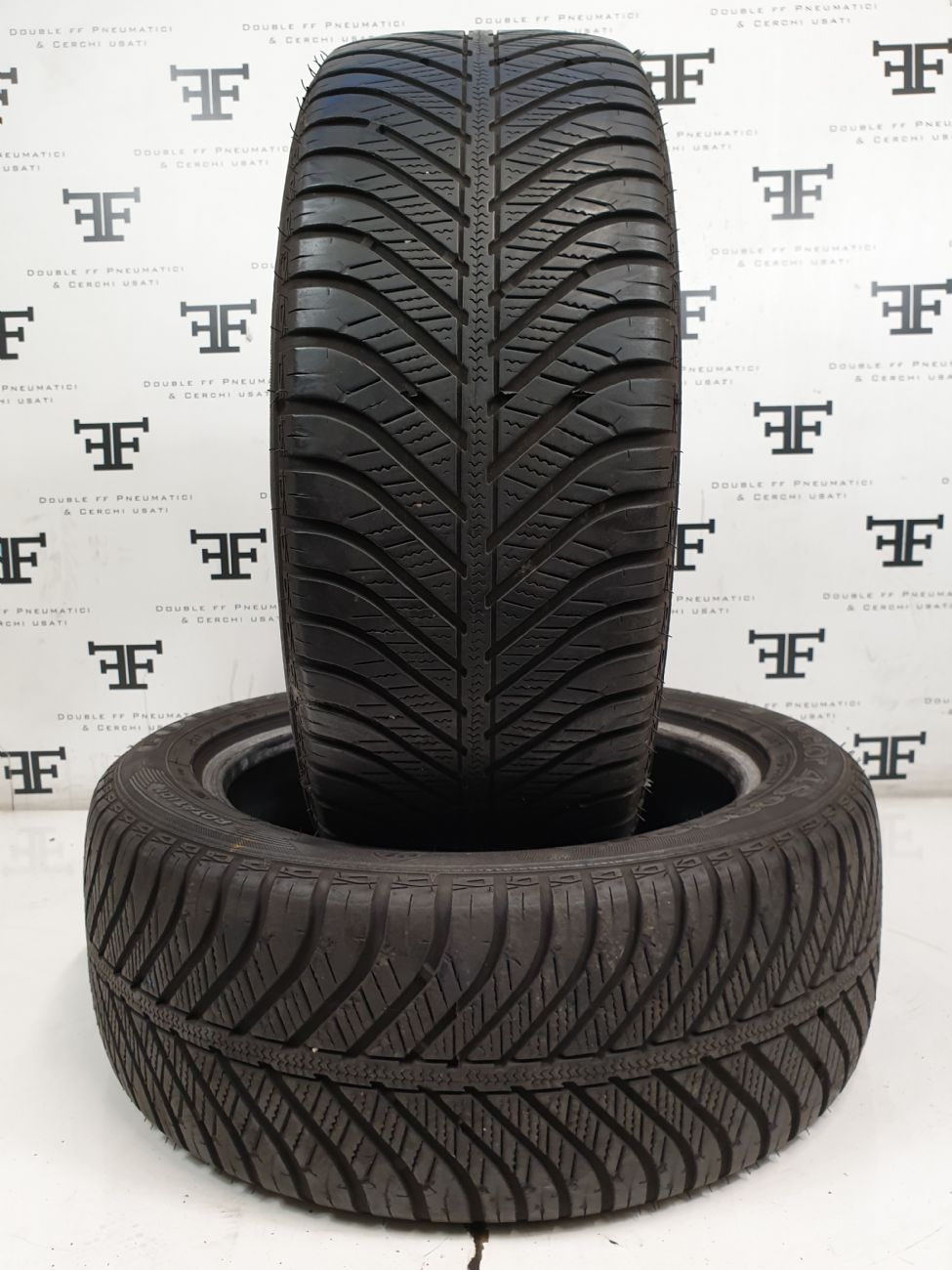 225/50 R17 96 V GOODYEAR VECTOR 4 SEASONS