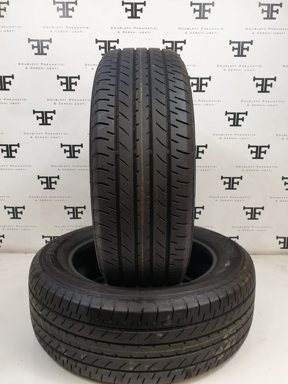 225/60 R18 100 H YOKOHAMA BLUEARTH E51