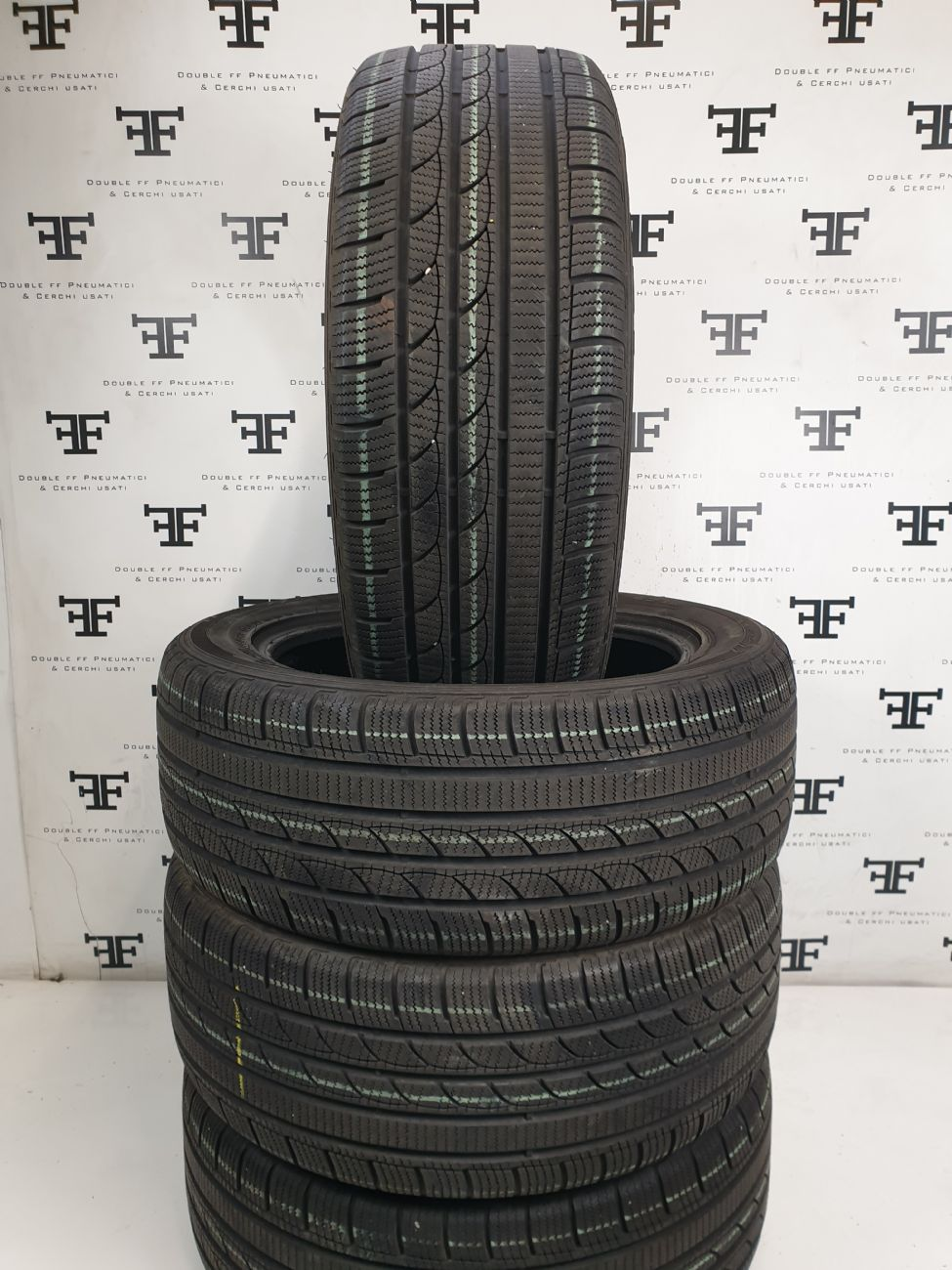 235/55 R19 105 V MINERVA ICE - PLUS S210
