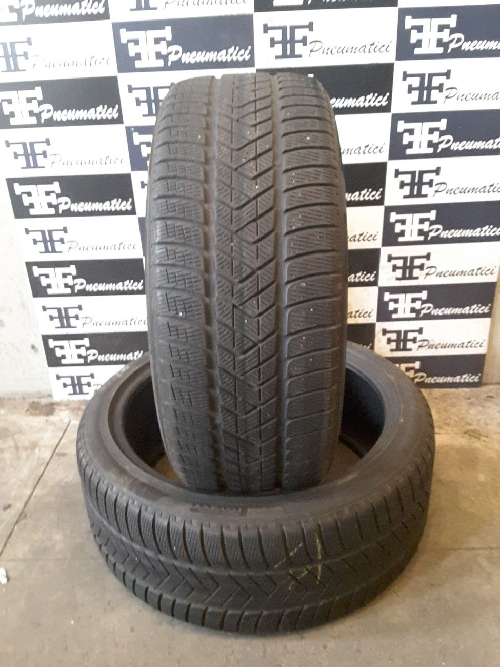 265/40 R22 106V PIRELLI SCORPION WINTER